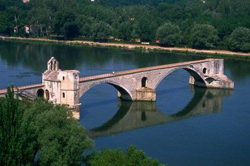 [Jeu] Association d'images - Page 18 Pont_d_avignon